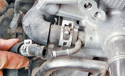 Снятие и установка двигателя Тойота Королла 10 Аурис