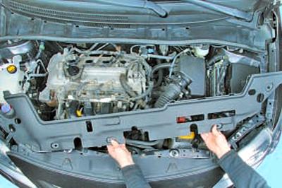 Замена уплотнения направляющей указателя уровня масла Тойота Королла 10 Аурис