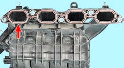 Замена уплотнения впускной трубы Тойота Королла 10 Аурис
