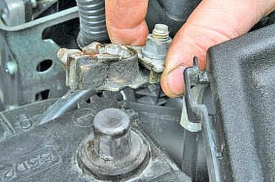 Проверка и замена датчиков системы управления двигателем Тойота Королла 10 Аурис