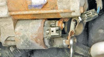 Снятие и установка стартера Тойота Королла 10 Аурис