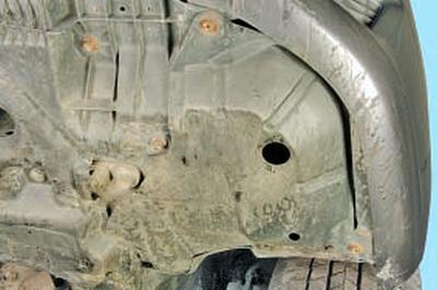 Замена противотуманной фары Тойота Королла 10 Аурис