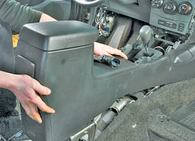 Регулировка привода управления автоматической коробкой передач Тойота Королла 10 Аурис