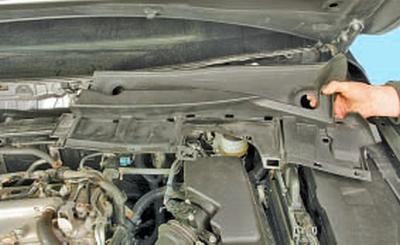 Снятие и установка короба воздухопритока Тойота Королла 10 Аурис