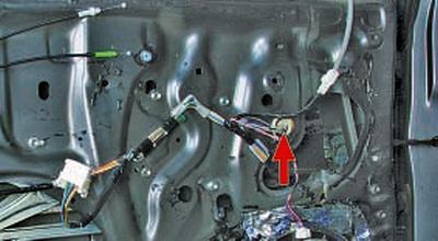 Снятие и установка стеклоподъёмника передней двери Тойота Королла Аурис E150