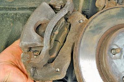 Снятие и установка ступицы передней подвески и поворотного кулака Тойота Королла 10 Аурис