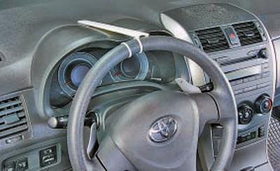 Проверка свободного хода (люфта) рулевого колеса Тойота Королла 10 Аурис