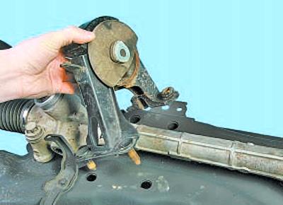 Замена рулевого механизма Тойота Королла 10 Аурис