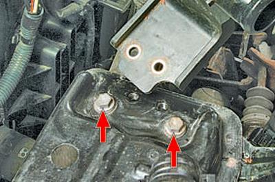 Замена привода выключения сцепления механической коробки передач Тойота Королла 10 Аурис