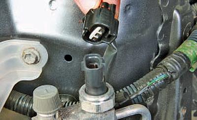 Замена датчика давления Тойота Королла 10 Аурис