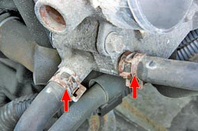 Снятие и установка дроссельного узла Тойота Королла 10 Аурис