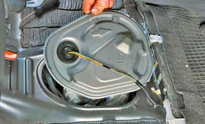 Замена топливного насоса Тойота Королла 10 Аурис
