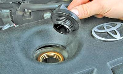 Замена масла в двигателе и масляного фильтра Тойота Королла 10 Аурис