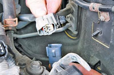 Замена элементов системы выпуска отработавших газов Тойота Королла 10 Аурис