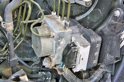 Антиблокировочная система тормозов Тойота Королла 10 Аурис
