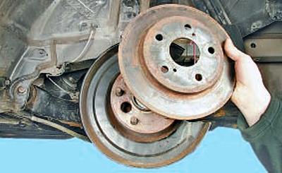 Замена датчиков частоты вращения колес Тойота Королла 10 Аурис