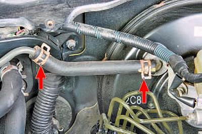 Проверка работы вакуумного усилителя тормозов Тойота Королла 10 Аурис