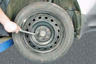Снятие и установка ступицы заднего колеса Тойота Королла 10 Аурис